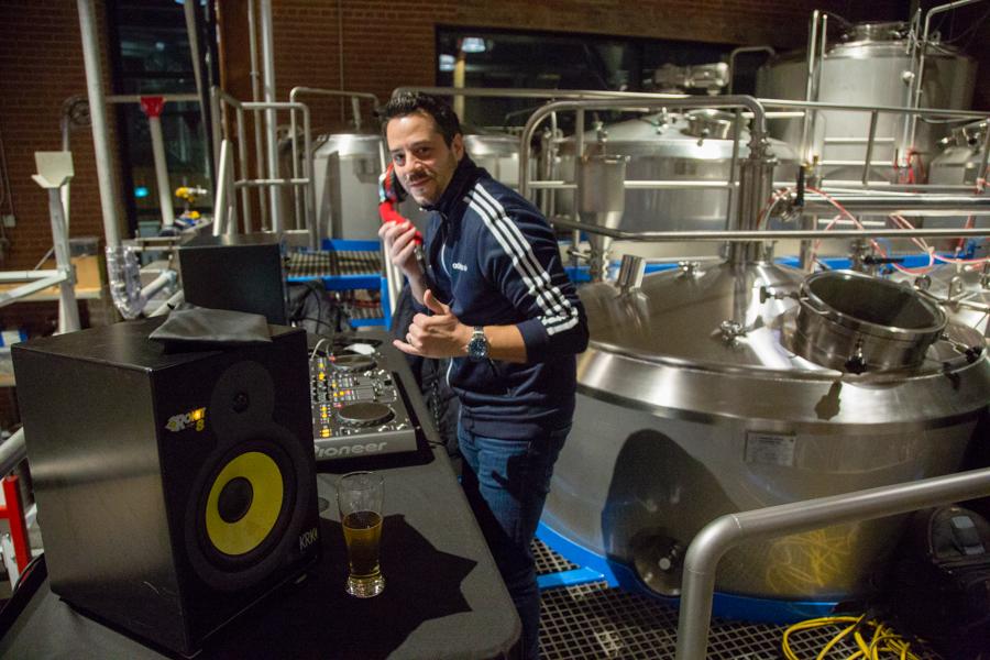 DJ Leo Love
